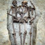 В Италии нашли скелеты влюбленных, которые продержались за руки 1500 лет