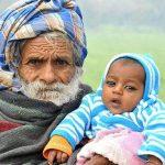 Индус-батрак родил первенца в 94 года