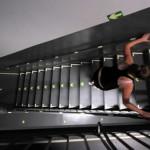 В мире популярность набирает бег по лестницам небоскребов. Спортсменов даже проверяют на допинг