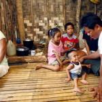 Парень с Филиппин хочет попасть в Книгу рекордов Гиннеса как самый маленький человек в мире