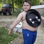 В Хорватии живет 6-летний мальчик-магнит