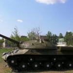 Чиновника задержали за попытку продать мемориальный танк