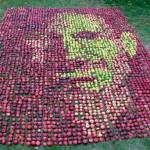 Художник создал «яблочный» портрет Стива Джобса