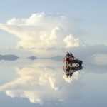 В Боливии существует озеро, которое местные называют границей неба и земли
