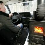 Швейцарец оборудовал автомобиль дровяной печью