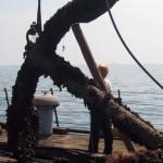 Со дна Черного моря подняли столетний якорь