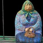 В Киеве появился памятник классической бабушки