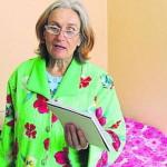 Старую роженицу-украинку зовет замуж 80-летний россиянин