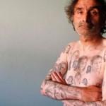 Поклонник Джулии Робертс «осыпал» себя 82 татушками с ее изображением