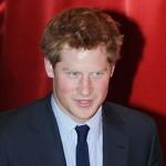 Британцы разделись в Facebook в поддержку принца Гарри